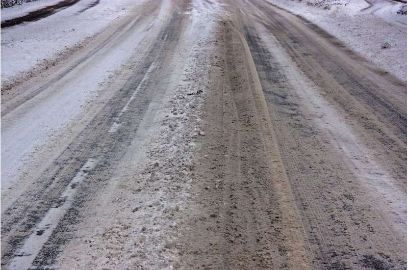 How heavy snow reduces road injuries: Less bicycling, safer transport